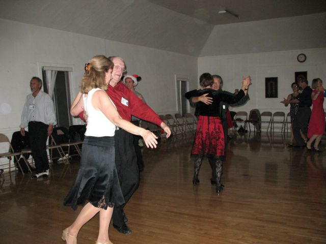 HolidayParty122007_04